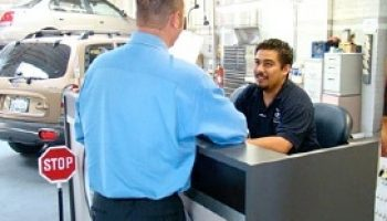Independent opportunity as dealer service advisers struggle to sell