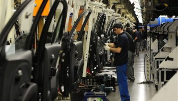 Auto industry & government plan for 100,000 future jobs