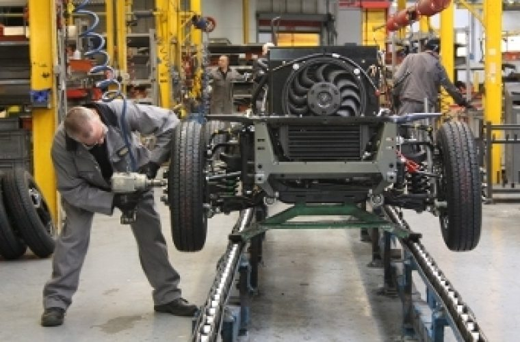 London Taxi production restarts at Coventry