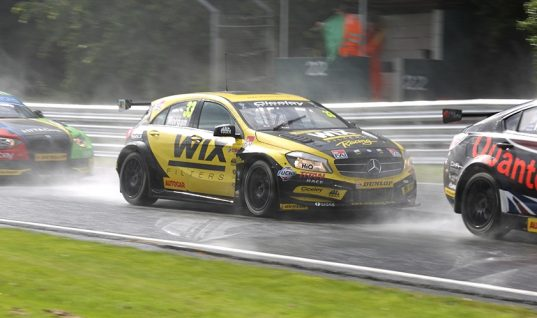 Tough weekend at Oulton Park for WIX Racing