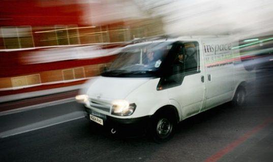 'Crash for cash' gangs target white vans