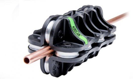 Brake pipe straightening tool