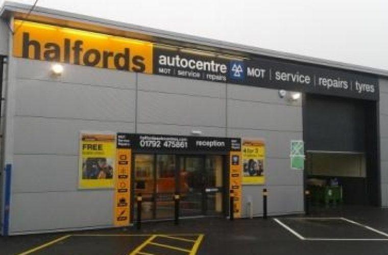 Halfords Autocentres invest £1m in diagnostics