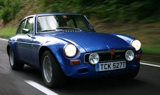 AA warn drivers of classic car risks