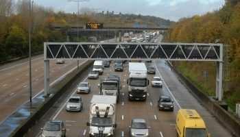 Panicking motorist holds up M25 as fuel light came on