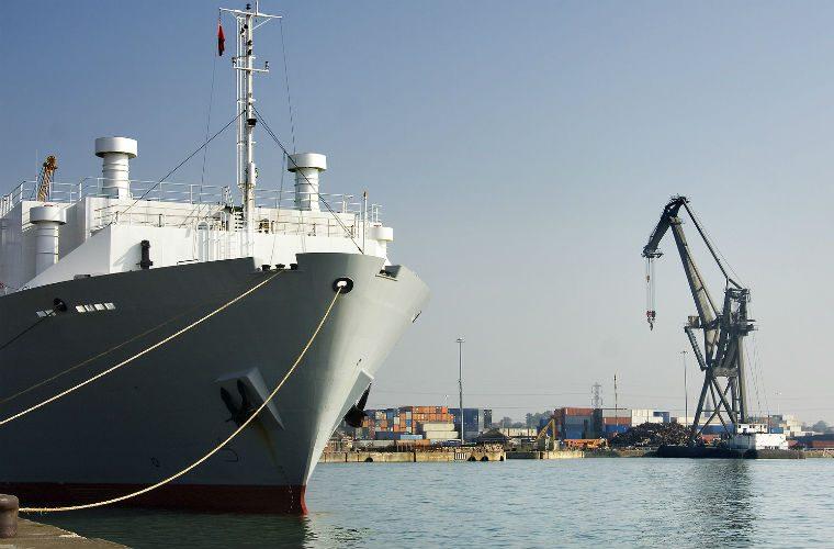 £35m cars on stranded ship