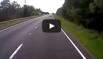 Video: Caravan heads wrong way on dual carriageway