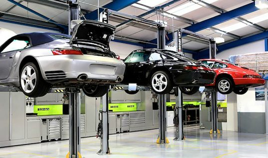Porsche Specialist turns to Dura for new workshops