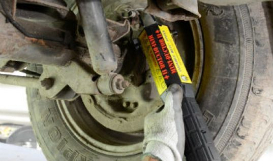 Remove problem brake bleeder nuts with Mini Ductor II+