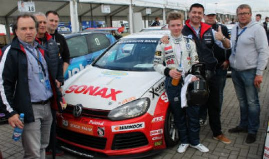 Ring sponsors Piotr Parys in Volkswagen Golf Cup
