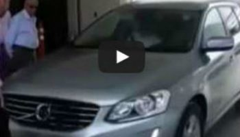 Video: self-parking Volvo ploughs into journalists