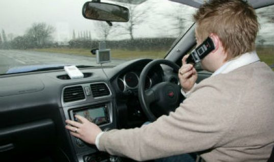 Mobile phone use behind the wheel tops list of motorist's concerns