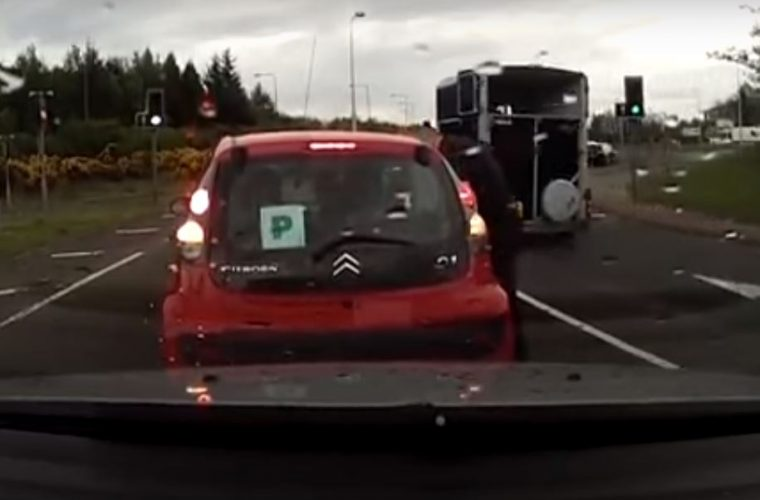 Video: new driver stalls 13 times in a row on roundabout