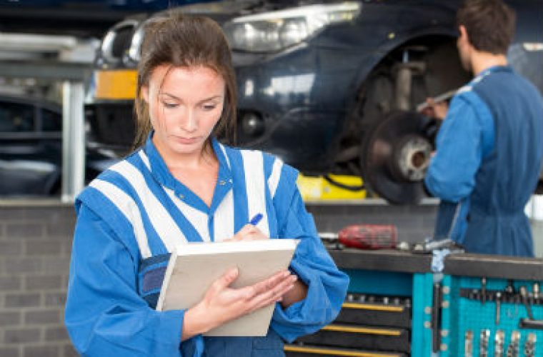 Independent to teach basic car maintenance at ladies night