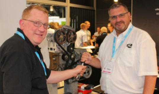 Technicians get technical tips from Gates at Automechanika