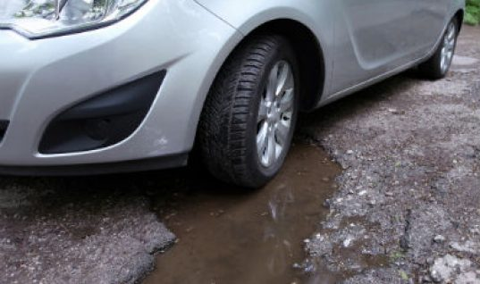 Pothole breakdowns rise for the first time since 2013