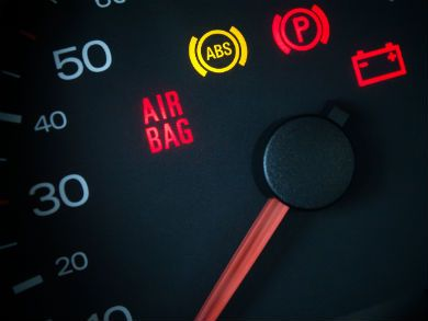 59 per cent of Brits don't know what car warning lights mean. Image: Bigstock.