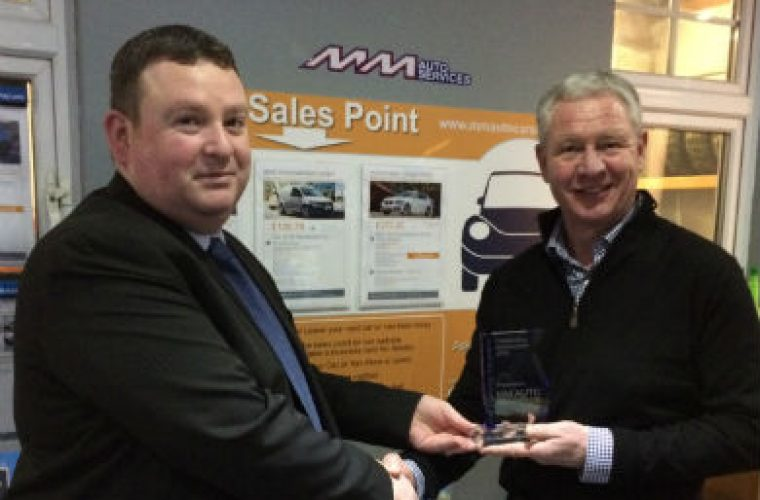 Servicesure garage recognised with vehicle sales award