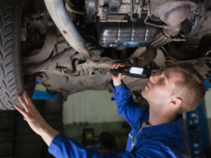 Take part in a short survey to share your views on MOT training and assessments. Image: Bigstock.