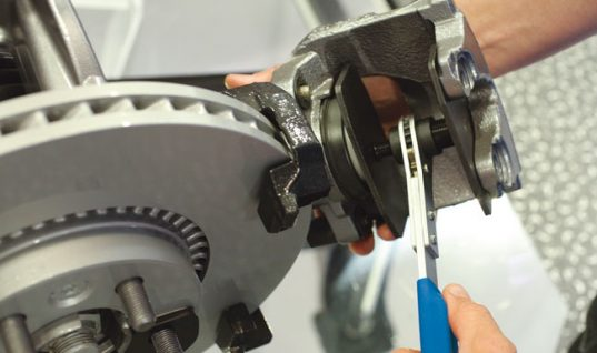 Keep brake caliper pistons parallel with this ratchet from Laser