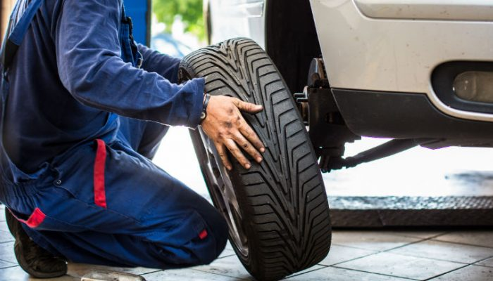 Ebay introduces tyre fitting to automotive services