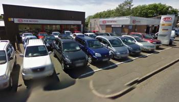 Main dealer bans customer after leaving negative feedback