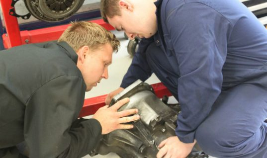WhoCanFixMyCar inspires the next generation of technicians