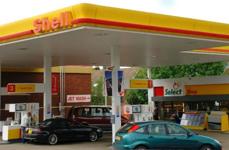 Motorists believe that petrol stations will be turned into supermarkets after 2040