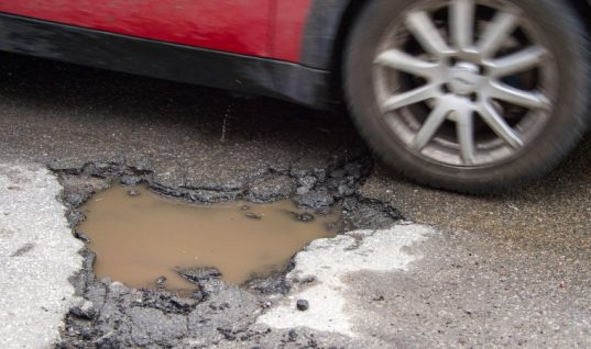 Pothole breakdowns rise by a third despite mild and dry weather