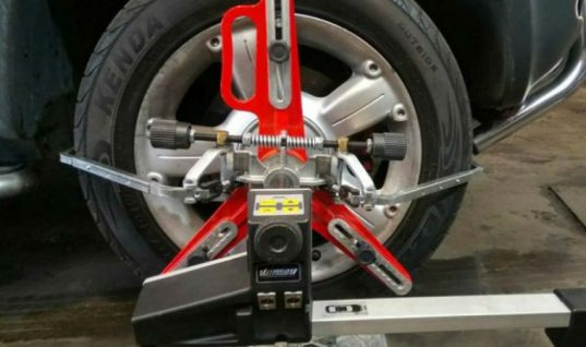 Vamag Vector four wheel camera aligner