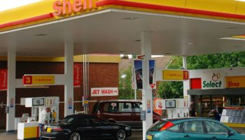 """Shell in plans to open UK's first """"no-petrol"""" station"""