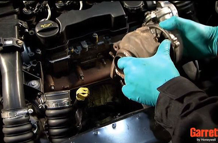 Video  Replacing A Turbo On A Psa 1 6 Hdi Engine