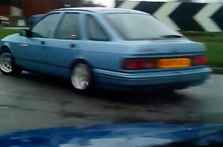 Ford Sierra caught drifting around at least six different roundabouts
