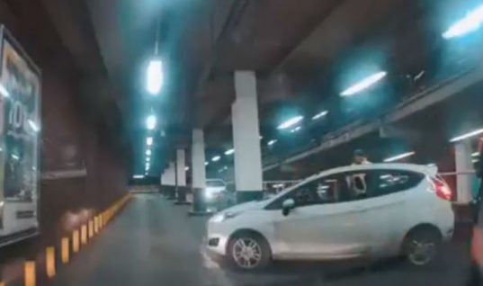 Video: Driver blocks traffic after failing 10-point turn in Birmingham car park