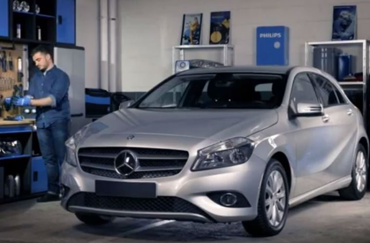 Watch: how to replace headlight bulbs on your Mercedes-Benz A-Class