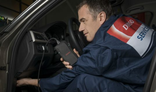 "New e-Videns tool offers ""world-first"" live engine health check to drivers, says DENSO"