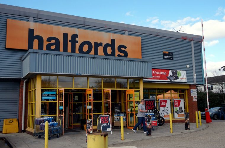 "Video: Halfords advert gets banned for ""encouraging dangerous driving"""
