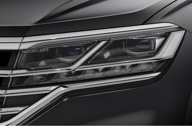 new vw touareg gets innovative hella led matrix headlamps. Black Bedroom Furniture Sets. Home Design Ideas