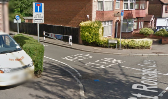 """Mobile mechanic and customer fined £130 in ten minutes on """"honey trap"""" road"""