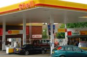 Fuel stations overcharging motorists by 5p per litre, study finds