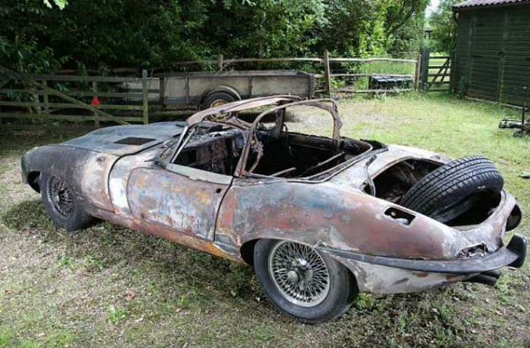 Body shop sets fire to E-type Jag during respray