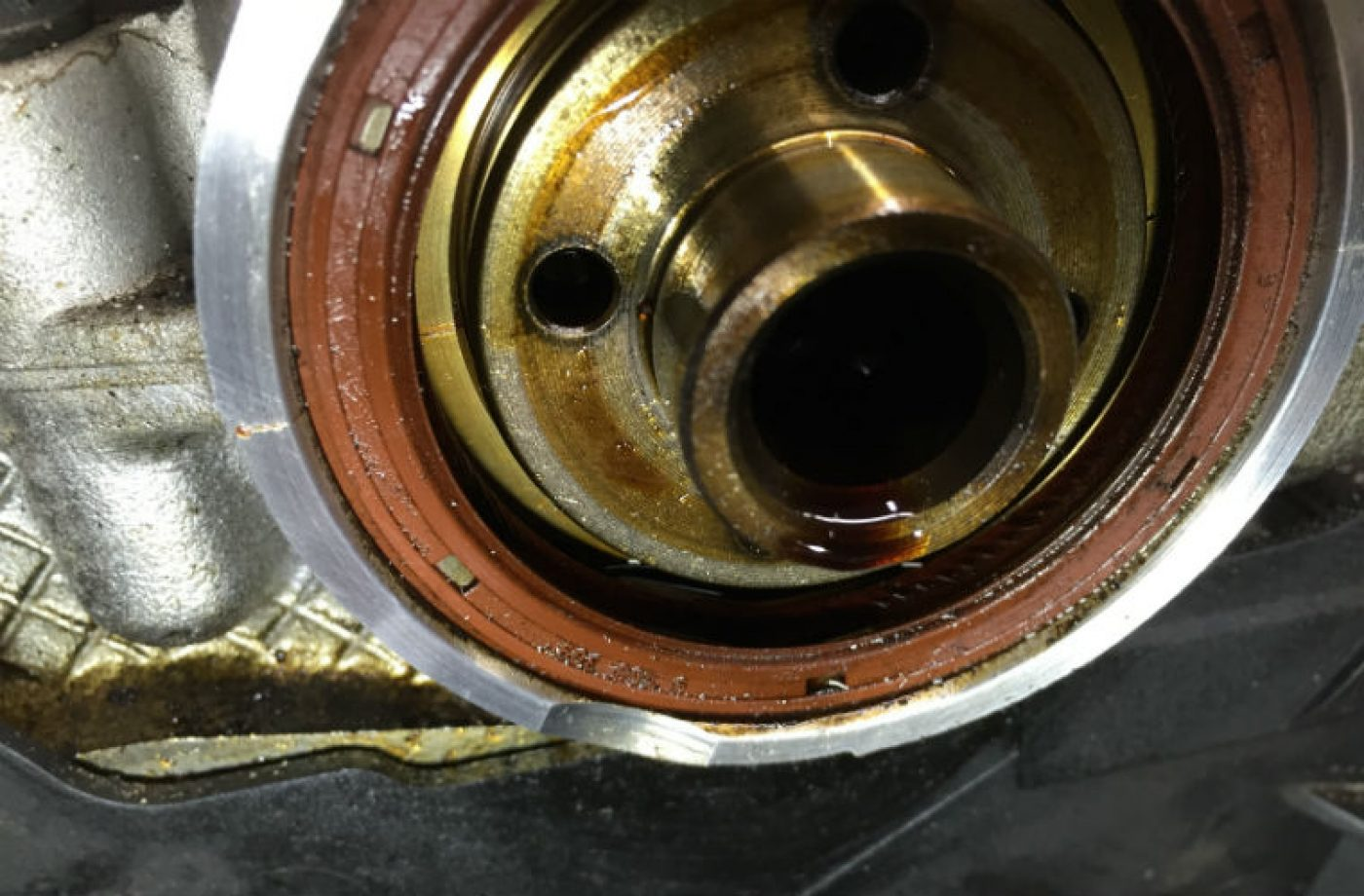 How engine oil can have an adverse effect on seals