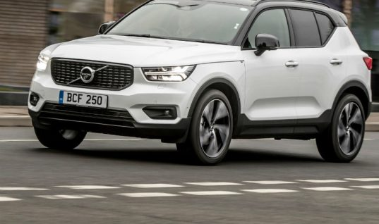 All-new Volvo XC40 equipped with Tenneco electronic suspension