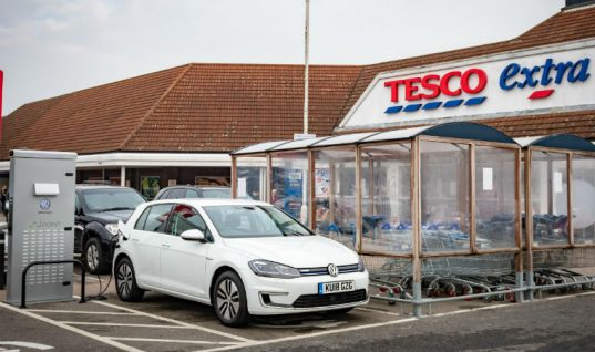 Tesco to install thousands of FREE electric car chargers in its store car parks