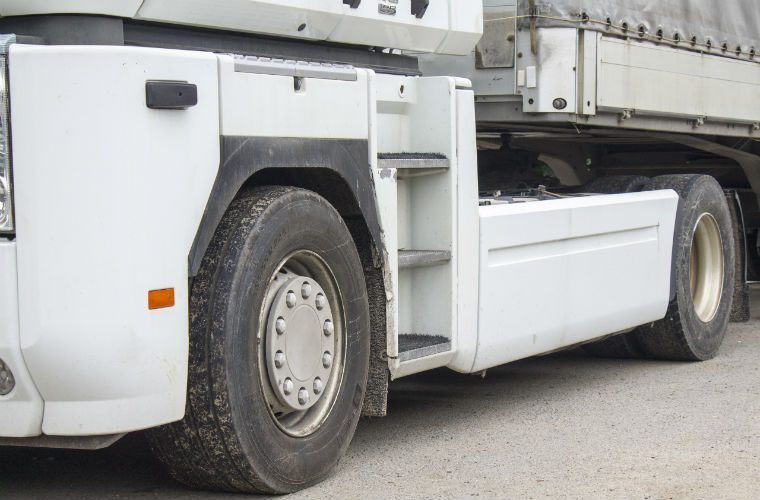 Commercial vehicle operators using old tyres to face investigation