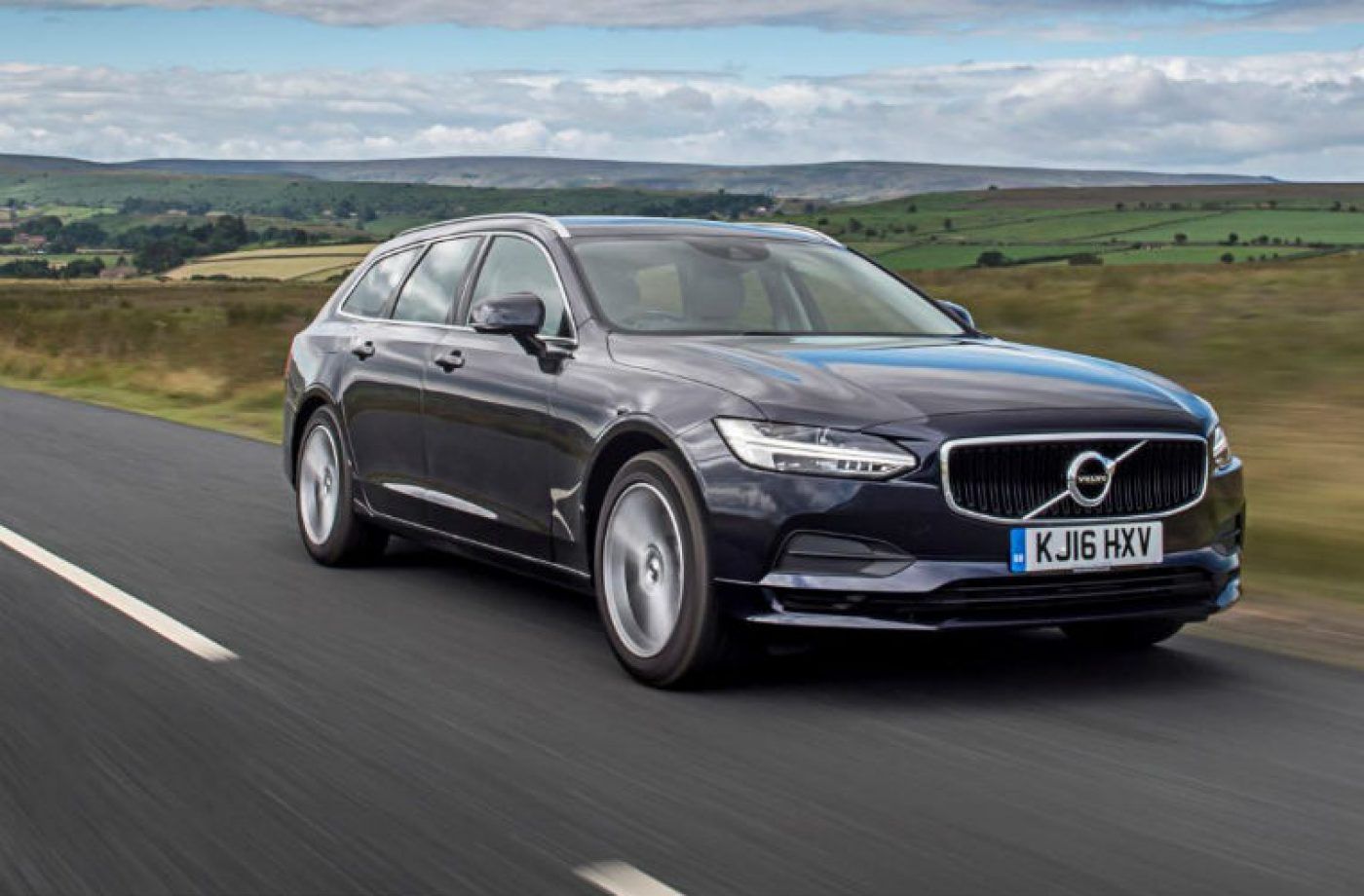 Volvo advise drivers against aftermarket screen replacement over ADAS complexities