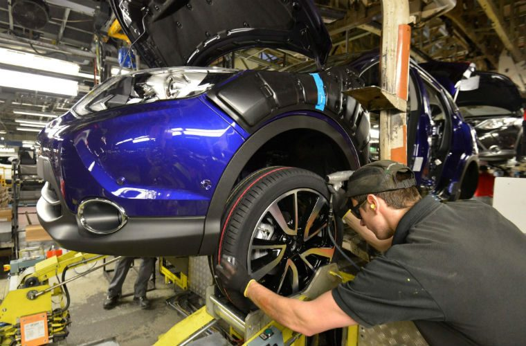 """UK new car industry on """"red alert"""" amid no deal fears"""