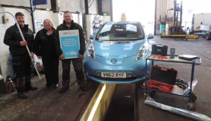 Trade conference prompts tech to complete EV and PHEV training