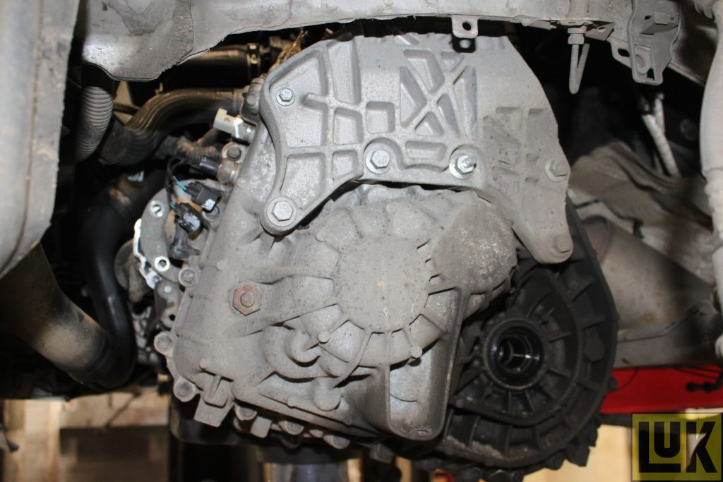 Land Rover Freelander 2 clutch replacement step-by-step