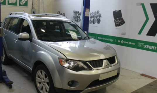 Step-by-step guide on Mitsubishi Outlander timing belt replacement